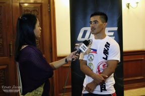 Rey Docyogen being interviewed by ABS-CBN's Jackie-Jean Estanislao Aspiras
